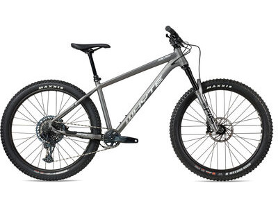 WHYTE 909